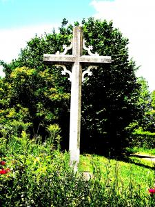 Village Cross (© Jean Espirat)