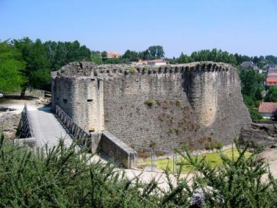 Parthenay - Tourism & Holiday Guide