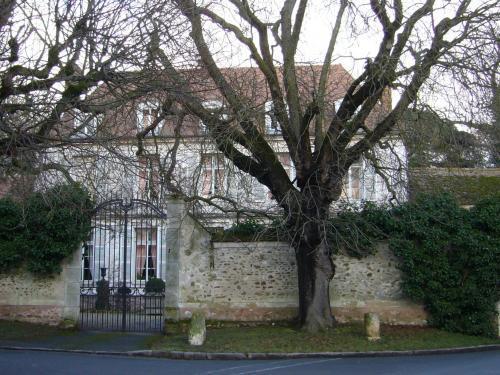 P rigny tourisme vacances week end for Mandres les roses code postal