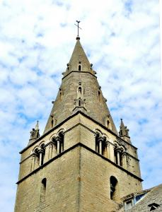 Bell tower of Our Lady of Mouthier-le-old man (© Jean Espirat)