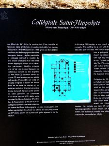 Information on Saint-Hippolyte Collegiate (© Jean Espirat)