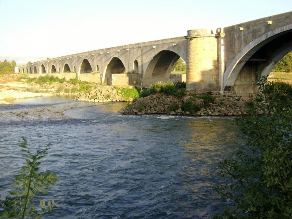 Photos pont saint esprit tourisme vacances week end - Office du tourisme pont saint esprit ...