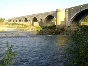 Pont saint esprit tourisme vacances week end - Office du tourisme pont saint esprit ...