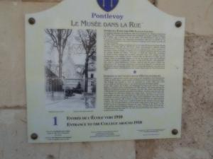 Plaque n ° 1 of the museum in the Rue