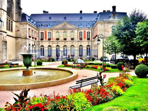 Remiremont tourisme vacances week end for Piscine remiremont