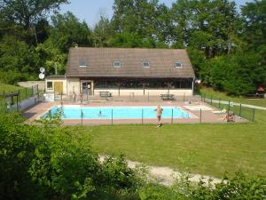 Rosoy en multien tourisme vacances week end for Piscine paris naturiste