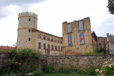 100% de haute qualité magasin bonne vente de chaussures Castle of the Arthaudière - Monument in Saint-Bonnet-de-Chavagne