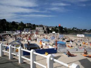 Grande plage de saint cast le guildo lieu de loisirs - Office de tourisme saint cast le guildo ...