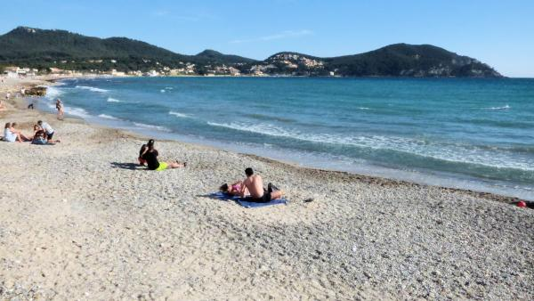 Strand van lecques recreatiegebied in saint cyr sur mer - Office tourisme st cyr sur mer ...