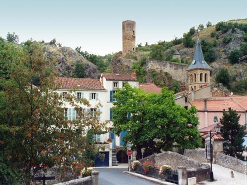 Saint-Floret - Tourism, holidays & weekends guide in the Puy-de-Dôme
