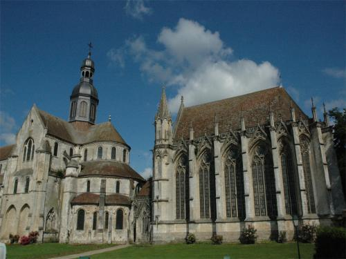 Saint-Germer-de-Fly - Tourism, holidays & weekends guide in the Oise