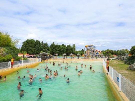 aquatic park atlantic toboggan leisure centre in saint hilaire de riez. Black Bedroom Furniture Sets. Home Design Ideas