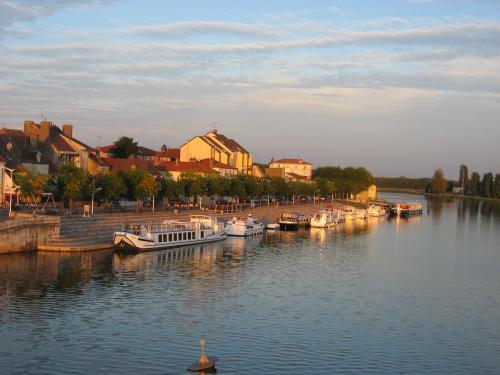 Saint-Jean-de-Losne - Tourism, holidays & weekends guide in the Côte-d'Or