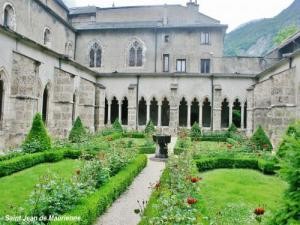 Cloister of the Cathedral ( © JE)