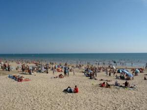 Great beach Saint-Jean-de-Monts nogal druk