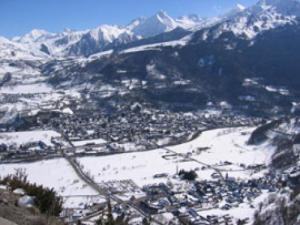 Saint-Lary Dorf im Winter
