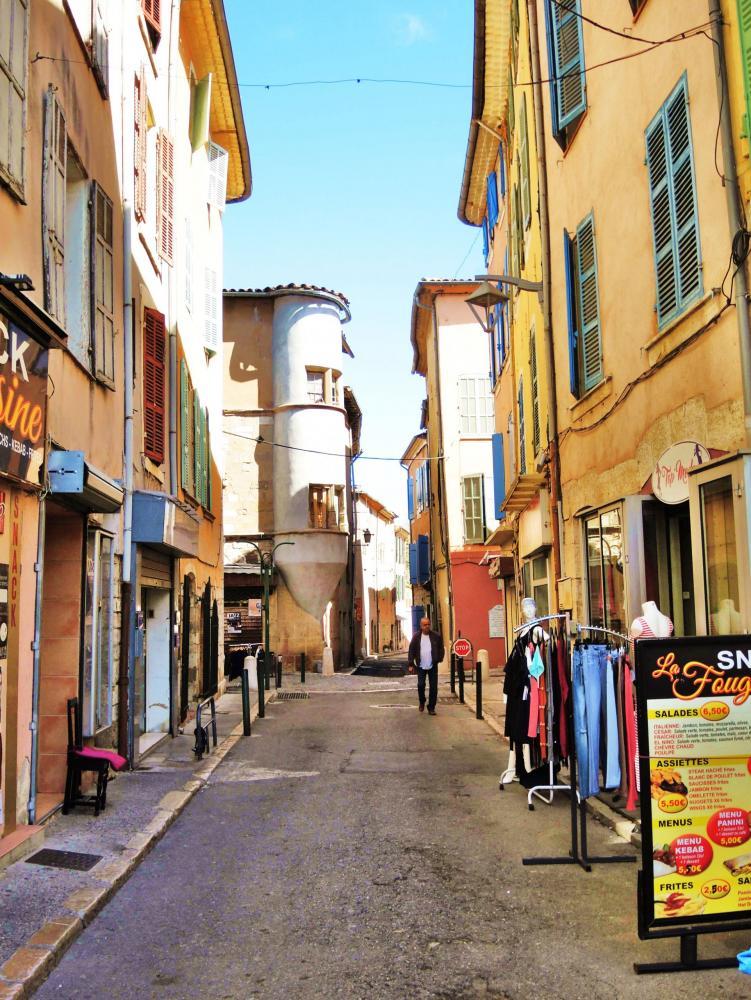 Photos saint maximin la sainte baume tourisme for Piscine saint maximin la sainte baume