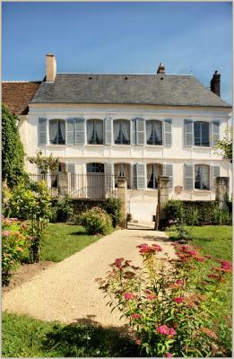 Casa Di Campagna Traduzione Francese : Casa di colette luogo di svago a saint sauveur en puisaye