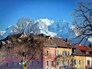 Colourful houses Sallanches and Mont Blanc