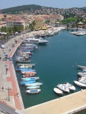 Port de plaisance de sanary sur mer lieu de loisirs - Office du tourisme de sanary sur mer ...