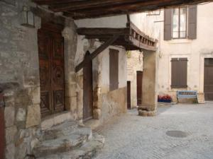 Rue Royal Gate und der Plan, Aurel Sault