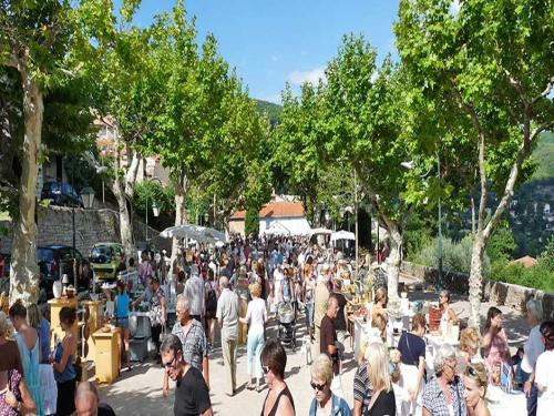 Seillans - Tourism, holidays & weekends guide in the Var