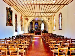Nave of the chapel Schaefertal (© Jean Espirat)