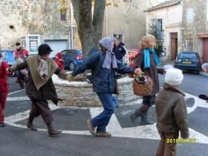 Start greeting on the village square