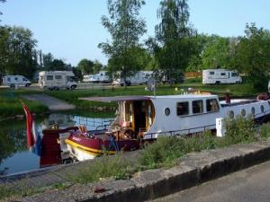 Port de plaisance et aire de services camping-cars