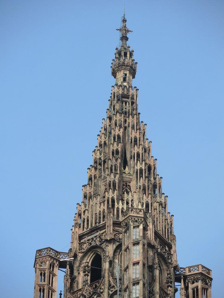Strasbourg - the arrow Cathedral, rises to 142 meters (© Jean Espirat)