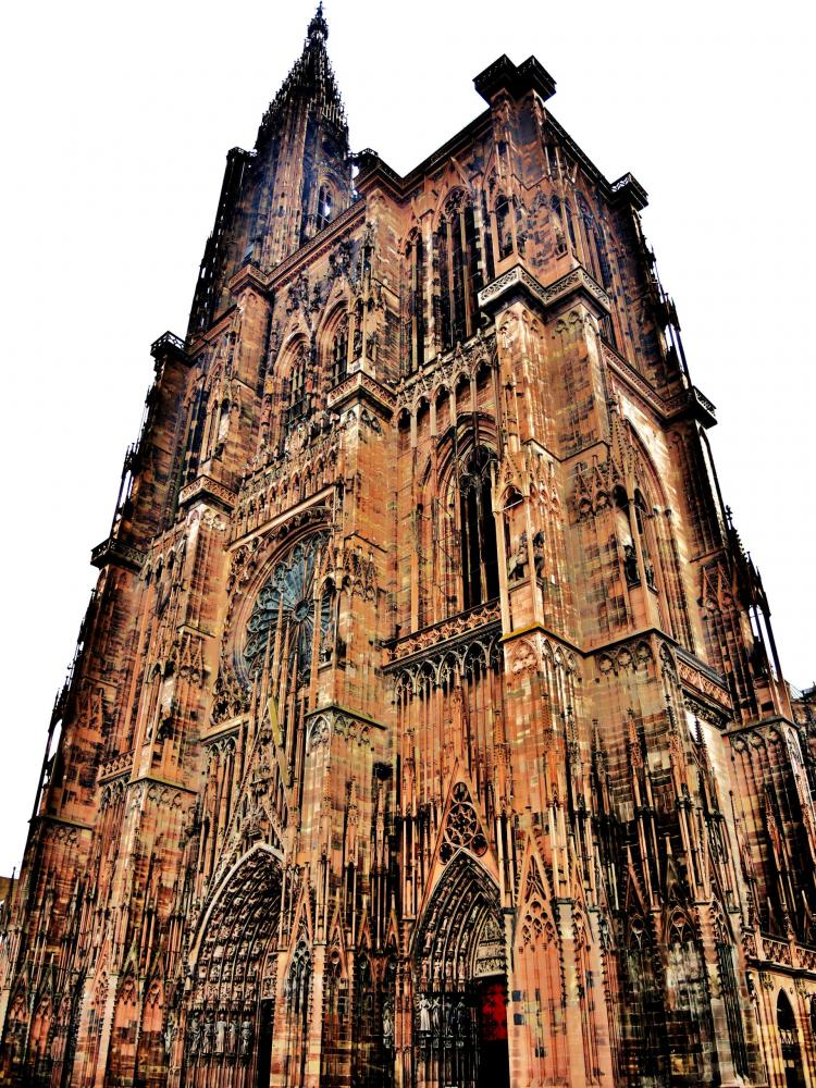 Strasbourg - View part of the facade of the cathedral (© Jean Espirat)