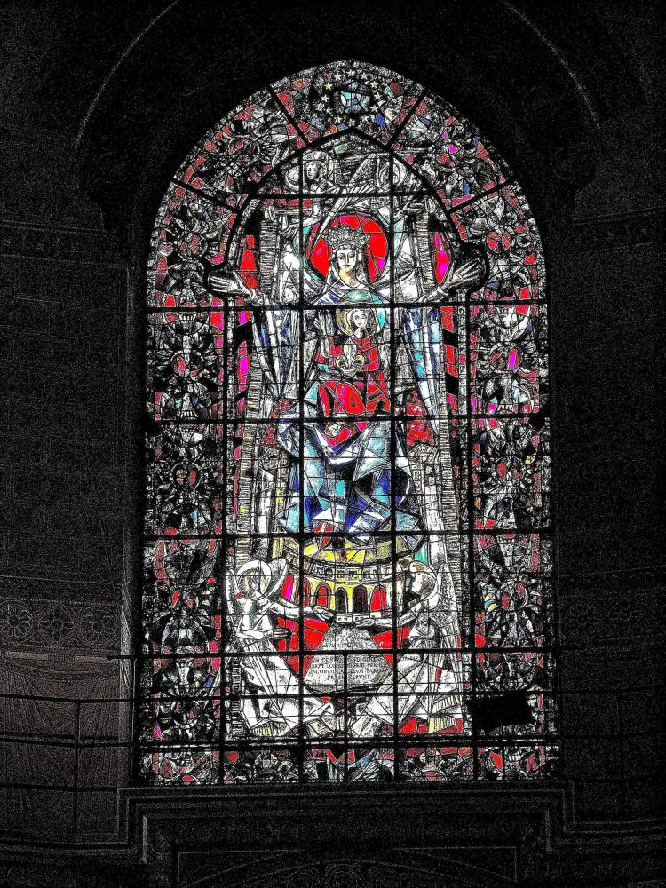 Strasbourg - stained glass window of the choir of the cathedral (© Jean Espirat)