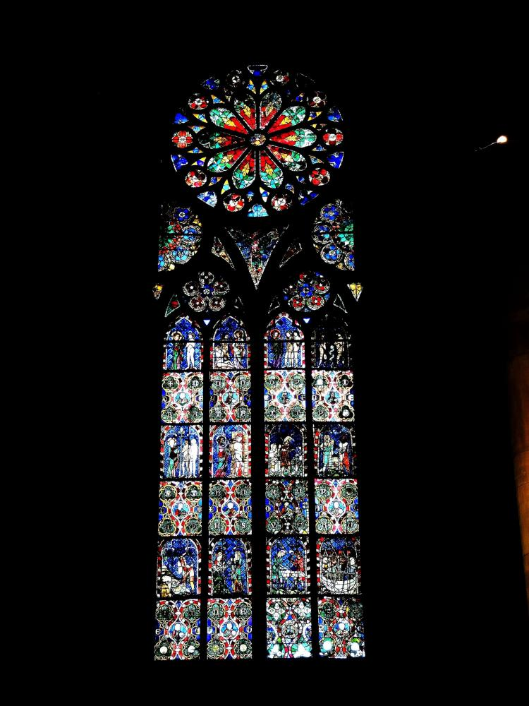 Strasbourg - stained glass of a side chapel of the cathedral (© Jean Espirat)