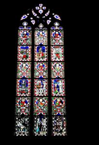 Other stained glass of a side chapel of the cathedral (© Jean Espirat)