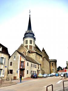Saint-Pierre church, view of the city center (© J.E)