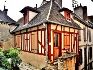 Half-timbered house (© J.E)
