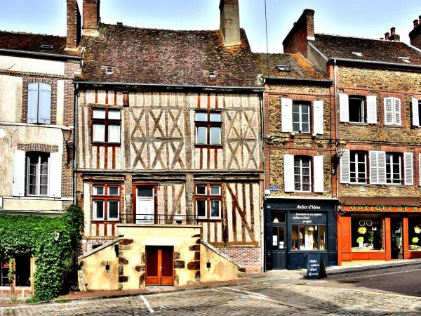 Toucy - Tourism, holidays & weekends guide in the Yonne