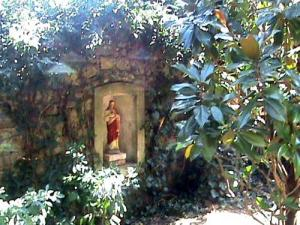 Eine Ruhige Ecke Des Garten Eden, Tournon Sur Rhône