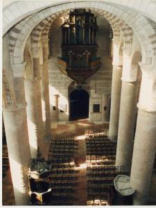 Nave of the Abbey Saint-Philibert (© CIER)