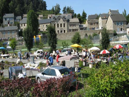 Photos val d 39 arcomie tourism holidays weekends for Garage saint just