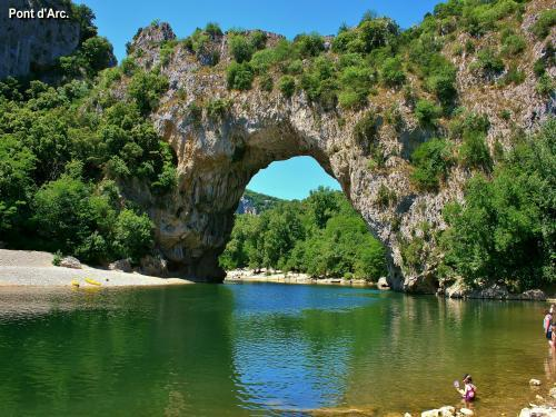 Vallon-Pont-d'Arc - Tourism, holidays & weekends guide in the Ardèche