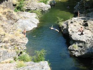 Natural swimming pool: the Tarnon to Vébron