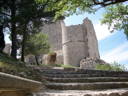 Ventabren - Tourism, holidays & weekends guide in the Bouches-du-Rhône