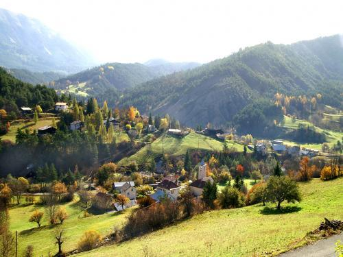 Verdaches - Tourism, holidays & weekends guide in the Alpes-de-Haute-Provence