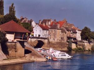 Verdun sur le doubs tourisme vacances week end - Piscine verdun sur le doubs ...