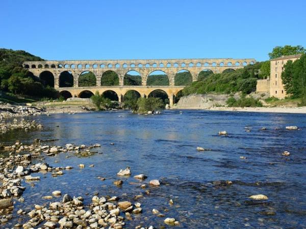 Vers-Pont-du-Gard - Tourism, holidays & weekends guide in the Gard