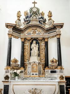 Altar of the Virgin - Church of Verzy (© J.E)