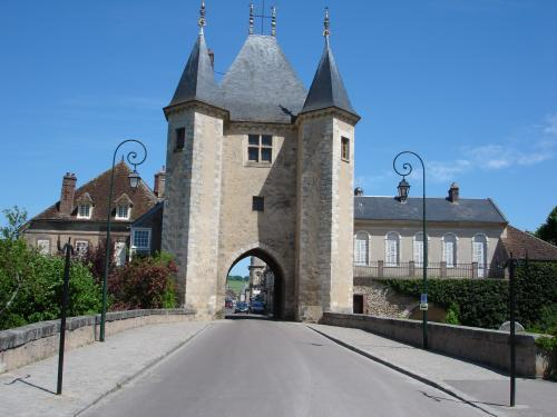 Villeneuve-sur-Yonne - Tourism, holidays & weekends guide in the Yonne