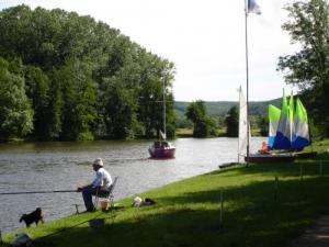The banks of the Yonne, fishing and sailing club