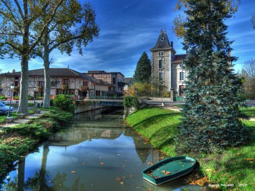 Vonnas France  city photos : Vonnas Tourism, holidays & weekends guide in the Ain